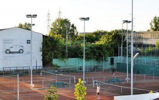 Vedere catre terenurile de tenis si fotbal