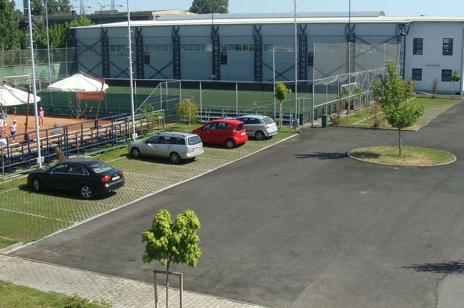 Parcare clubul Popeci