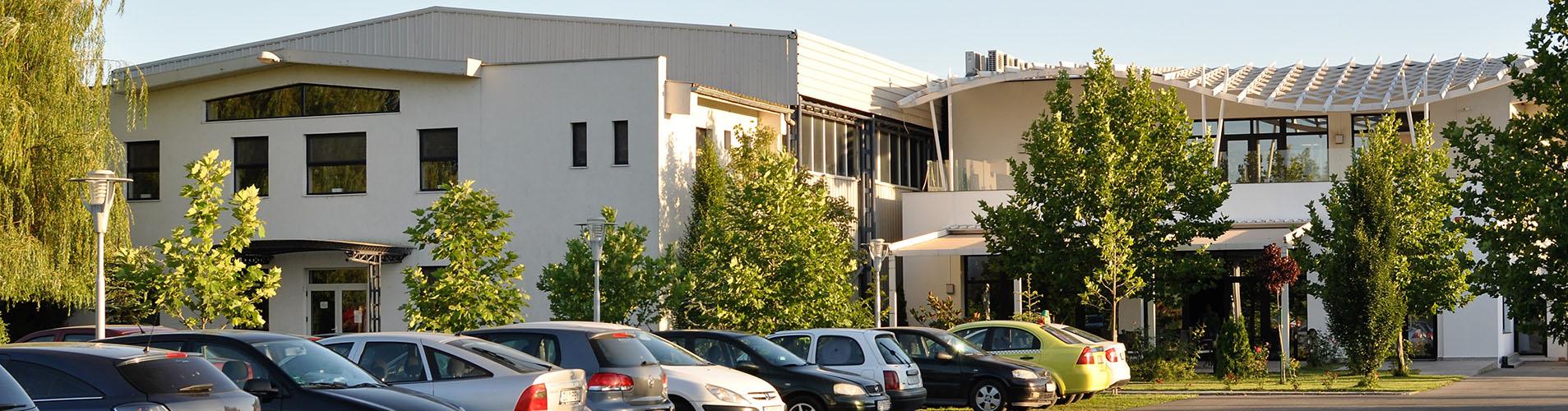 Vedere din exterior a clubului Popeci