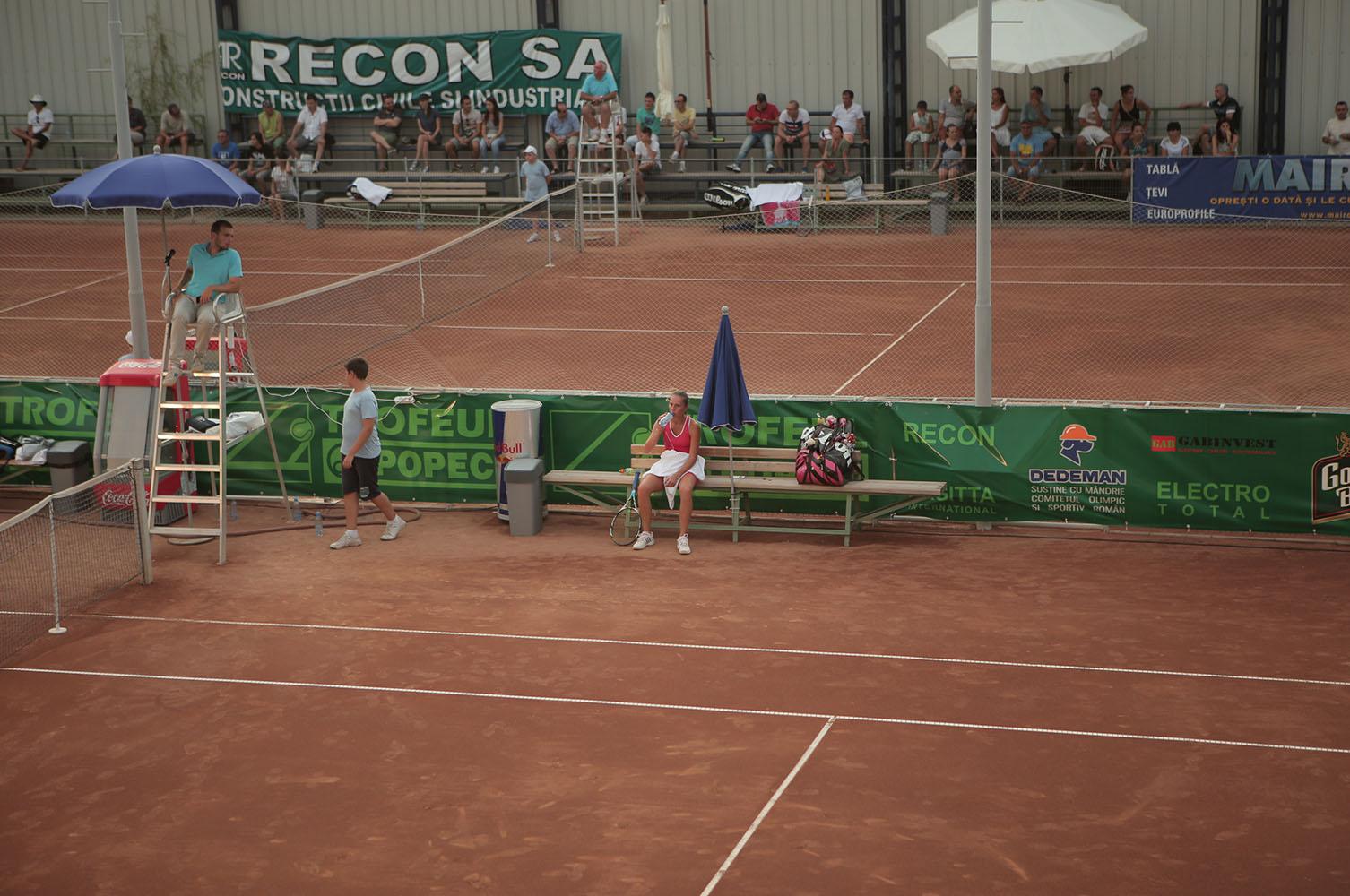Teren de tenis pe zgura